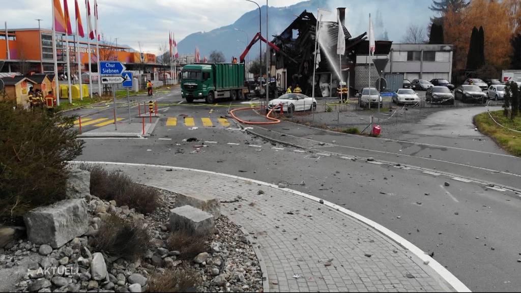 Über Kreisel geschleudert: Identität des Fahrers weiterhin unbekannt
