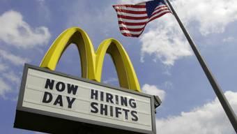 Anzeigetafel vor McDonalds-Restaurant in den USA (Archiv)