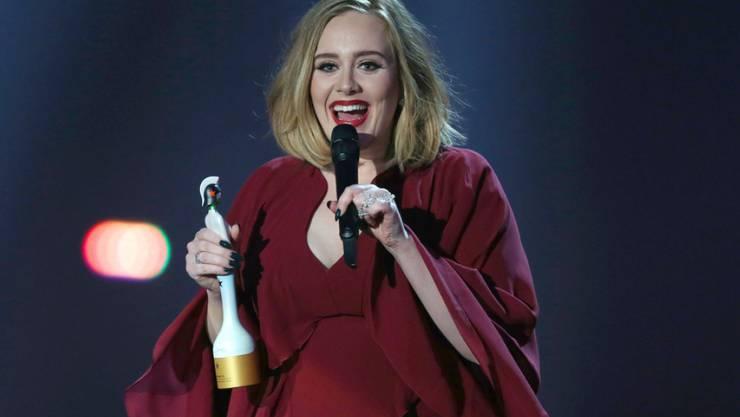 Adele am Mittwochabend an den Brit Awards 2016 in der 02-Arena in London.