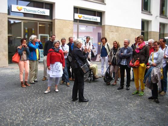 Aufmerksame Zuhörer bei der Stadtführung