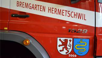 Bild mit Symbolcharakter: Schon vor zehn Jahren haben die Feuerwehren der beiden Gemeinden fusioniert; die Jahreszahl 2008 gilt dem Jahrgang des Feuerwehrautos. sl