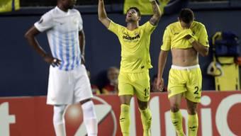 Villarreals Pato streckt die Finger zum Himmel - die Spanier siegten mit 2:1