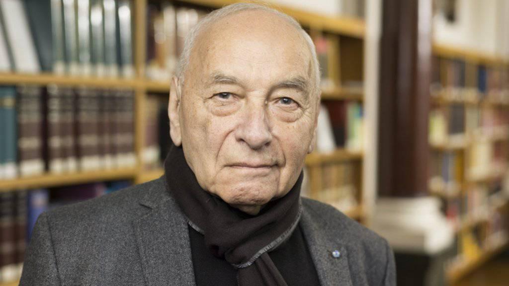 Der schweizerisch-bolivianische Dichter Eugen Gomringer übergibt sein Archiv dem Schweizerischen Literaturarchiv. (Archivbild)