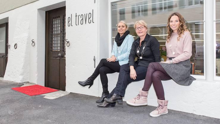 Inhaberin Petra Hubler-Schäfer, flankiert von ihren Mitarbeiterinnen Nathalie Schreier (l.) und Sybil Schweizer (r.)