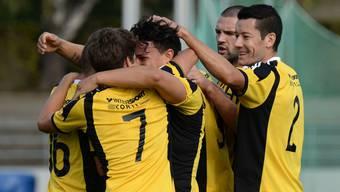 Die Old Boys bejubeln ihren Derby-Sieg.
