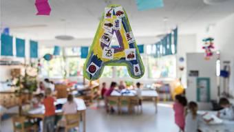 A wie Anfang: Am Montag beginnt für Tausende Kinder der erste Schultag. Viele werden nur von Lehrern im Teilzeitpensum unterrichtet.