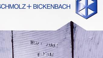 Der Stahlkonzern Schmolz+Bickenbach weist im zweiten Quartal 2017 bessere Zahlen vor und erhöht seinen Jahresausblick.