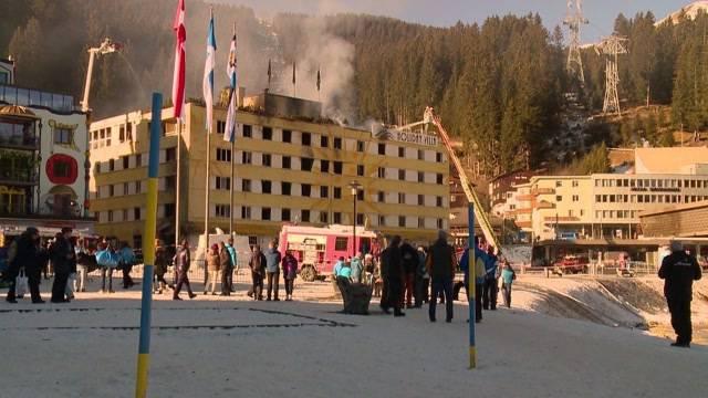 Posthotel Arosa komplett ausgebrannt