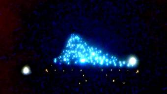 Funkelnd: Der lebendige Weihnachtsbaum aus der Luft.