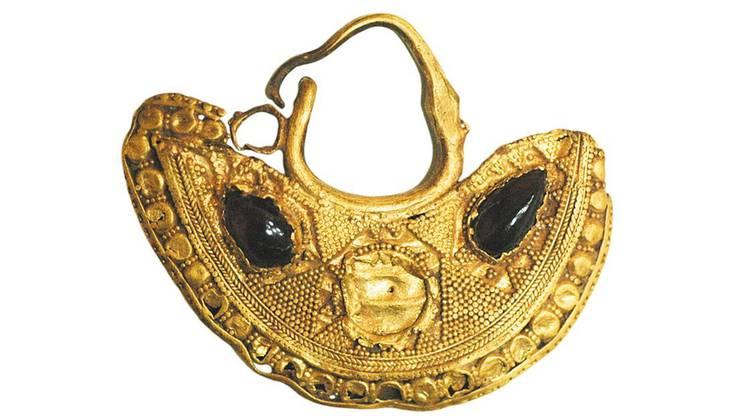 Gefährdete Antike aus Syrien: Ohrring aus Aleppo (300 v. Chr.)