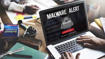 Bei der aktuellen Malware-Welle erhalten potenzielle Opfer eine E-Mail, die angeblich von Swiss stammt – und grossen Schaden anrichten kann. (Symbolbild)