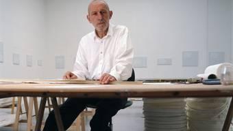 Drei Museen in Pruntrut, Delsberg und Moutier widmen dem jurassischen Künstler Remy Zaugg (1943-2005) eine Hommage. Jedes Ausstellungshaus beleuchtet dabei einen bestimmten Aspekt seines Schaffens. Die Schauen dauern bis 28. Januar.