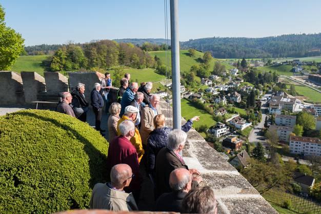 Die Führungen durch das Schloss Lenzburg waren ein voller Erfolg bei den 108 Jasserinnen und Jassern.