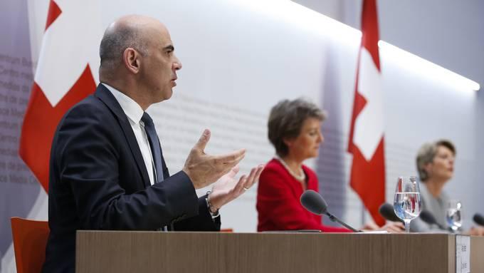 Der Bundesrat informiert am 27. Juli über weitgehende Lockerungsmassnahmen für die Schweiz.