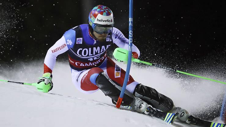 Das ist historisch: Luca Aerni fährt im Slalom von Madonna die Campiglio auf das Podest.