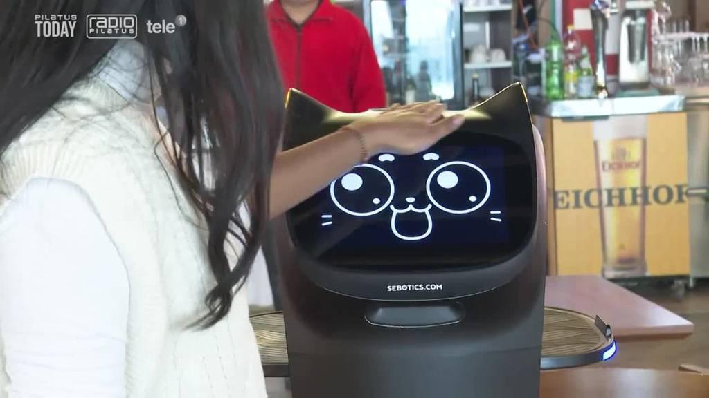 In Ebikon serviert ein Roboter das Essen