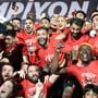 Gökhan Inler jubelt zusammen mit seinen Teamkollegen den Meistertitel von Basaksehir Istanbul