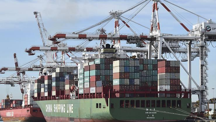Die chinesischen Exporte sind im Dezember überraschend stark zurückgegangen.