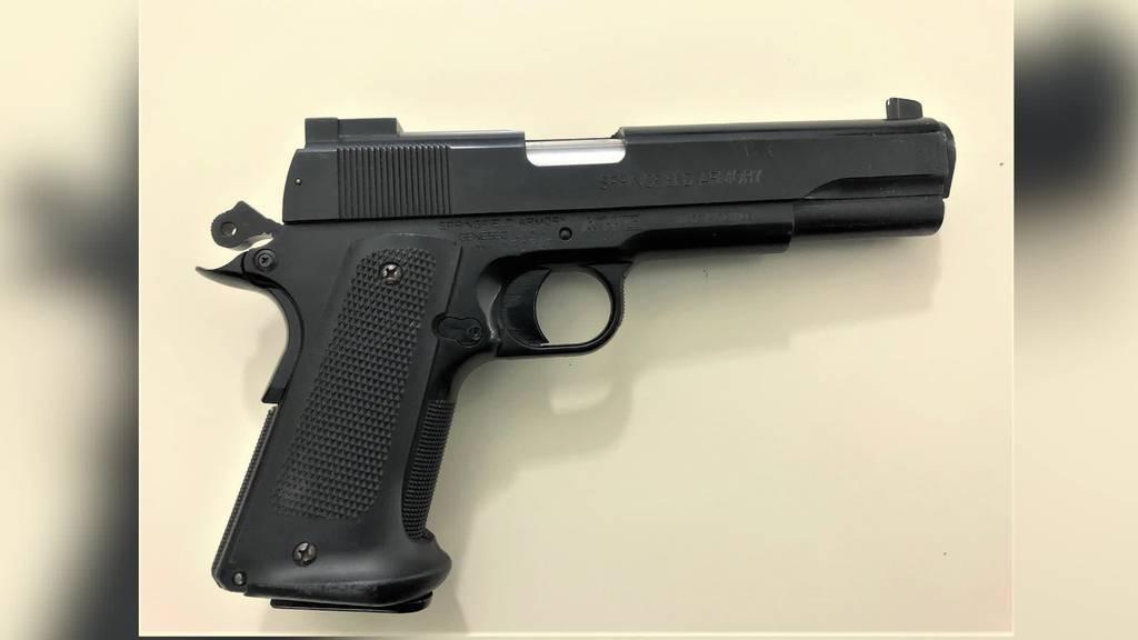 Kurznachrichten: Softair-Gun, Brandstiftung, Stabsübergabe, Unfall