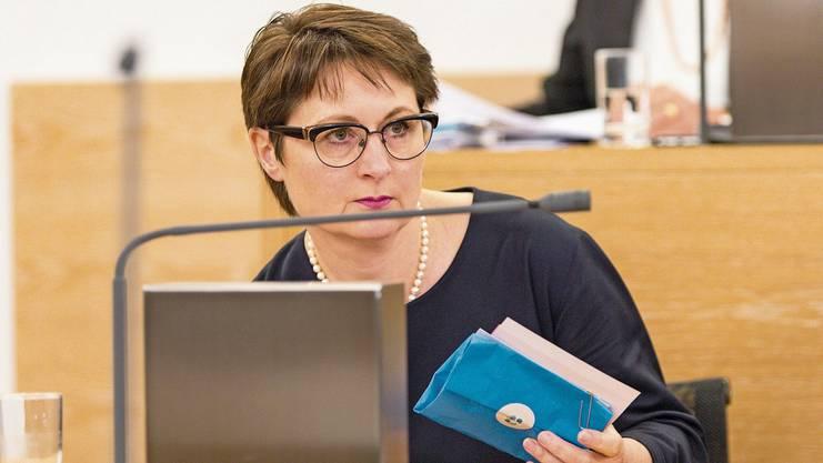 Der Anfang vom Ende: Regierungsrätin Franziska Roth werden im Grossen Rat in einer fraktionsübergreifenden Erklärung die Leviten gelesen.