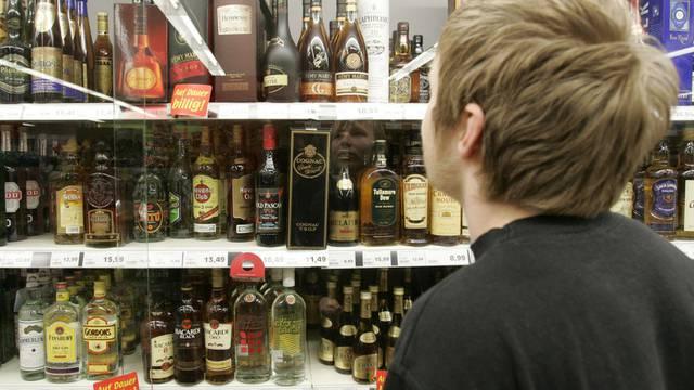 Testkäufe von Alkohol durch Jugendliche sollen im Gesundheitsgesetz geregelt werden