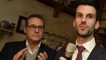 Der niederösterreichische FPÖ-Spitzenkandidat Udo Landbauer und Parteichef Heinz-Christian Strache (links) traten anlässlich der niederösterreichischen Landtagswahl in St. Pölten am letzten Sonntag gemeinsam auf. (Archivbild)