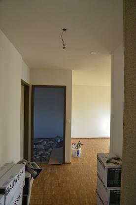 Die letzten Sanierungsarbeiten in den leeren Wohnungen werden in diesen Tagen abgeschlossen - insgesamt wurden in diesem Sommer 135 Wohnungen saniert