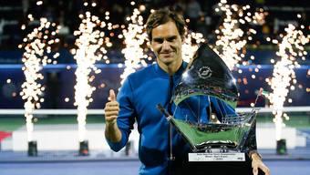 Federer mit seinem Pokal