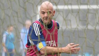 Gianni Infantino versucht, sich aus dem Netz der zwielichtigen Fussball-Machenschaften zu befreien.