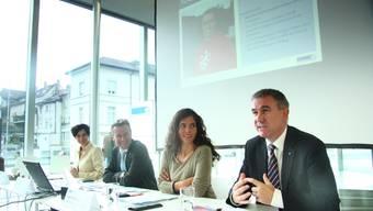 Jury-Präsidentin Pascale Bruderer Wyss, NAB-CEO Peter Bühlmann, Sybille Lichtensteiger (Leiterin Stapferhaus) und Landammann Alex Hürzeler.