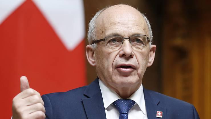 Finanzminister Ueli Maurer übt Kritik an der Verhandlung von Bundespräsidentin Leuthard mit Juncker. (Archivbild)