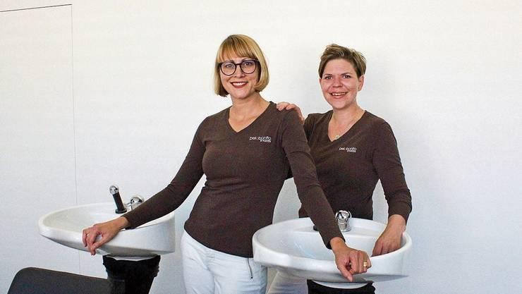 Eva Casal (links) mit Michaela Widmer in den neuen Räumlichkeiten in Trimbach.