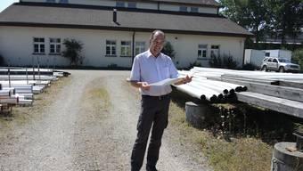 Rolf Häusler, Bereichsleiter Qualität & Sicherheit der IB Wohlen AG, auf dem alten Gaswerkareal.fh