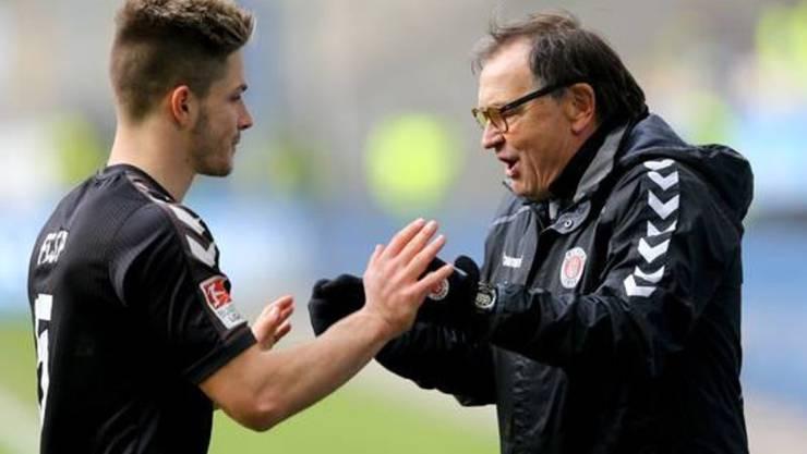 Joël Keller will sich bei St.Pauli mit Trainer Ewald Lienen für die Bundesliga empfehlen.