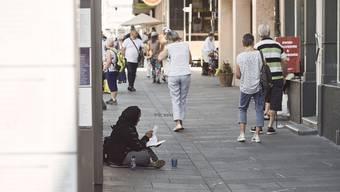 Bettler waren im Sommer in der Stadt an vielen Orten präsent.