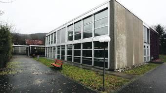 Schulhaus Steinmatt: Die beiden Sofortmassnahmen für mehr Schulraum können umgesetzt werden. (Bild: Hansruedi Aeschbacher)