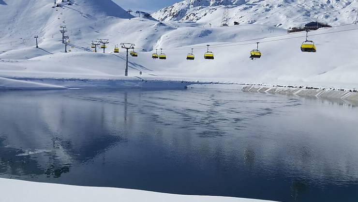 Die Bündner Regierung will die Schliessung von Skigebieten mit allen Mitteln verhindern. (Im Bild: Parsenn-Skigebiet Davos).