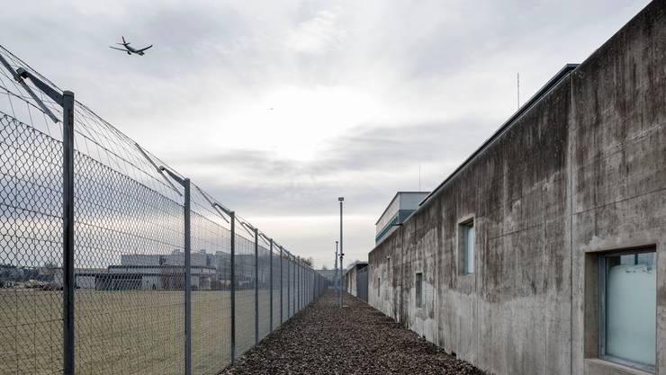 Die Zürcher Sicherheitsdirektion wurde vom Bundesgericht für ihre Praxis bei geplanten Ausschaffungen gerügt. (Symbolbild)