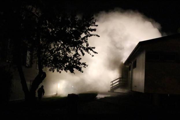 Viel Rauch entwickelte sich im Werkpavillon.