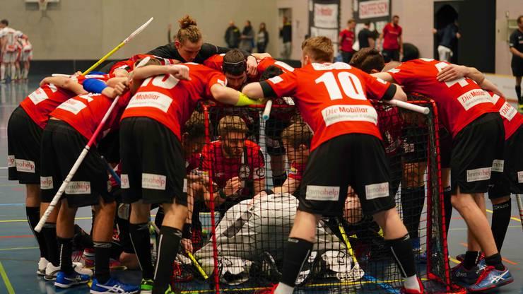Eingeschworenes Team: Die Spieler von Unihockey Basel Regio wollen in dieser Saison Grosses erreichen.
