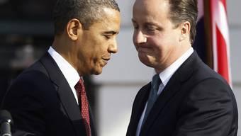 Barack Obama trifft David Cameron (rechts)