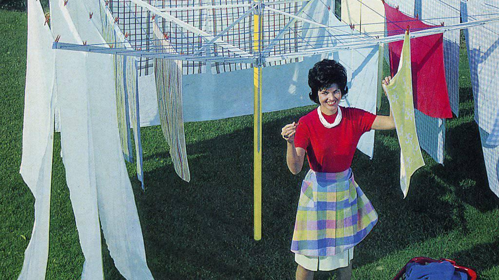 Immer weniger Frauen sehen die Erfüllung im reinen Hausfrauendasein. Innert 20 Jahren hat sich der Anteil der Hausfrauen an den Nichterwerbspersonen beinahe halbiert. (Symbolbild)