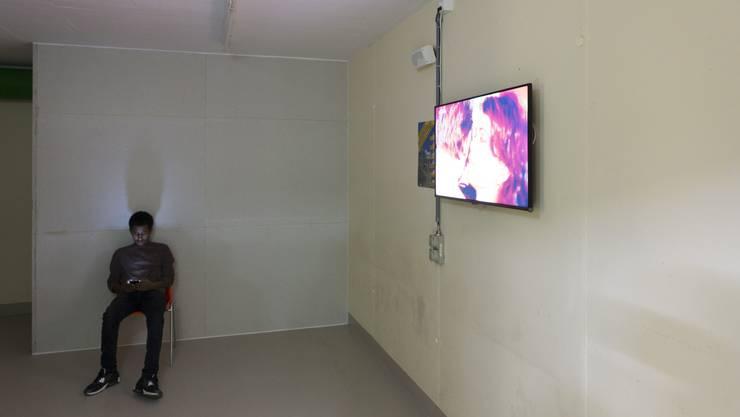 Leben im Untergrund: In der unterirdischen kantonalen Asylunterkunft im Notspital Muri leben nur männliche Flüchtlinge.