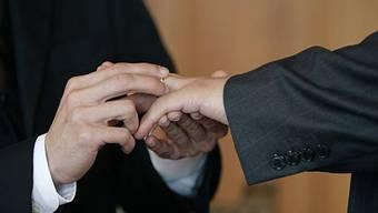 Homosexuellen-Ehe in Schwedens Kirchen erlaubt
