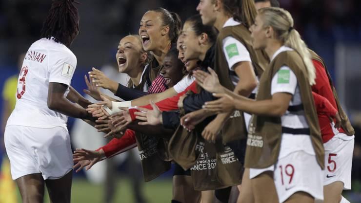 In Genf gibt es eine Fanzone für die Halbfinal- und Finalspiele der Frauenfussball-WM. Am Montag besiegte Kanada im französischen Montpellier Kamerun.