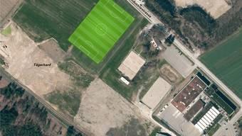 Das geplant Rasensportfeld aus der Vogelperspektive; rechts davon die Tennishalle der Huba Control AG. zvg
