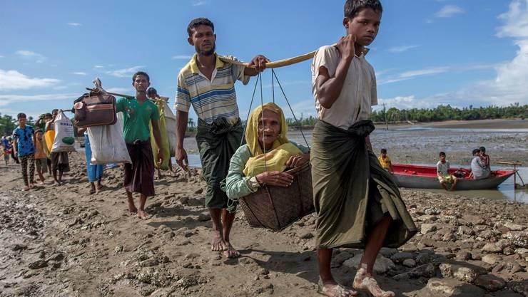 400000 Rohingya sind laut Angaben der UNO bereits aus Myanmar nach Bangladesch geflüchtet. Dar Yasin/AP/Keystone