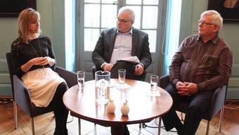 Stefanie Gehrig und Walter Häusermann im Gespräch mit Moderator Peter Buri.MCH