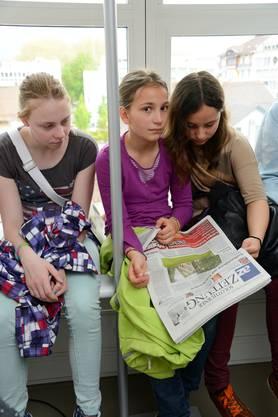 Einige der Schüler teilten sich ein Exemplar.