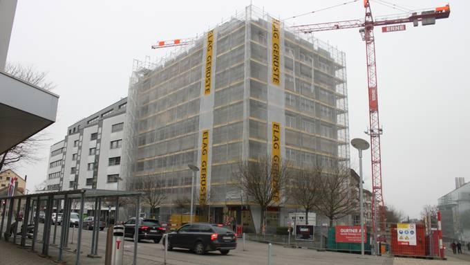 """Ein Blick hinter die Fassade des ehemaligen Grenchner """"Tropical""""-Gebäudes"""
